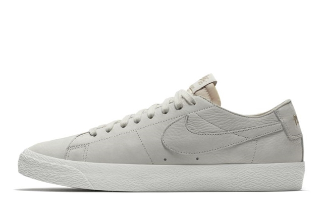 SB ZOOM BLAZER LOW DECON