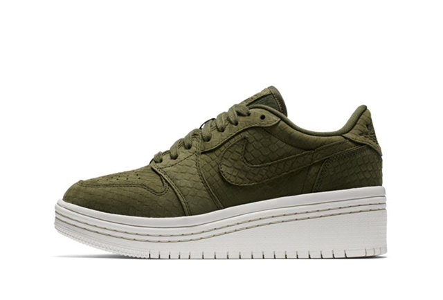【期間限定価格】W AIR JORDAN 1 RE LOW LIFTD